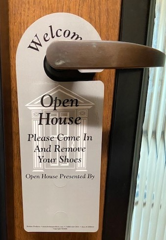 Open House Door Hanger provided by Williamson County Association of Realtors®