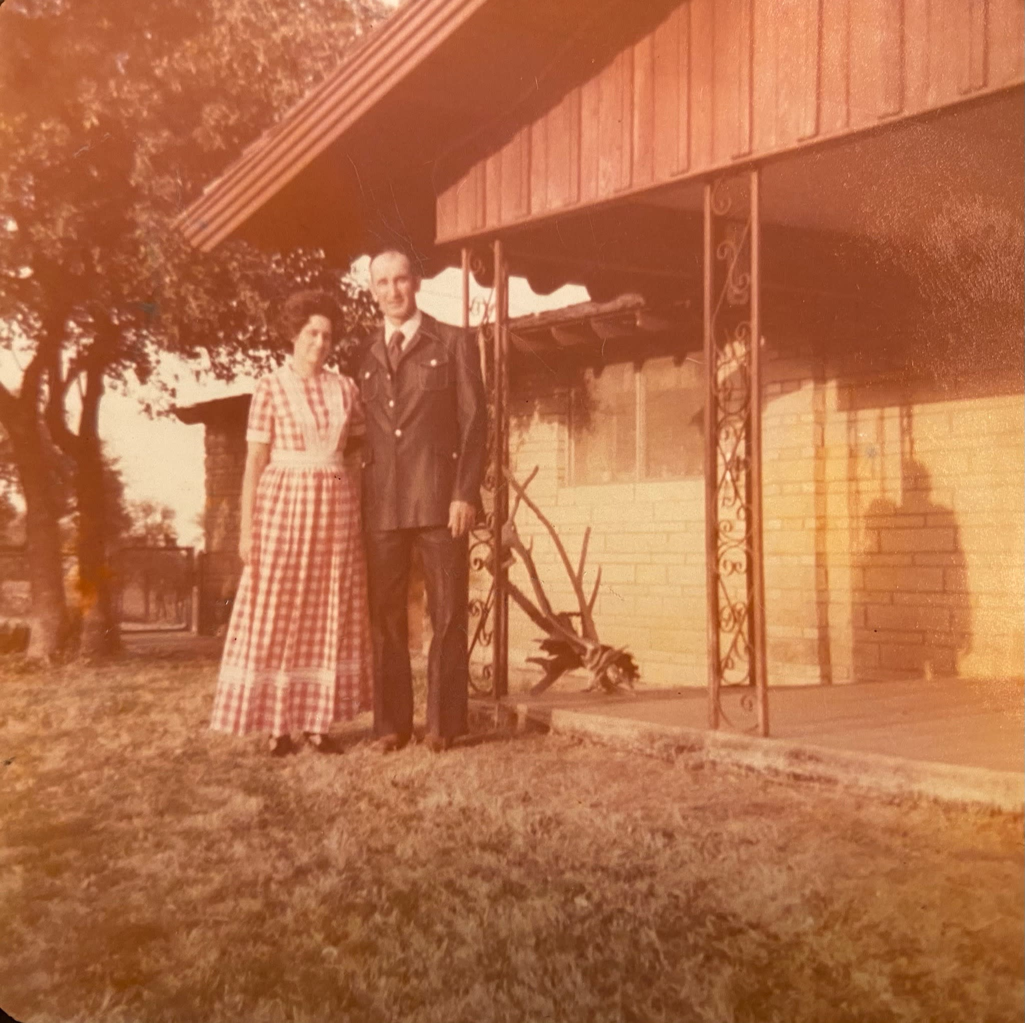 Old picture of man and woman