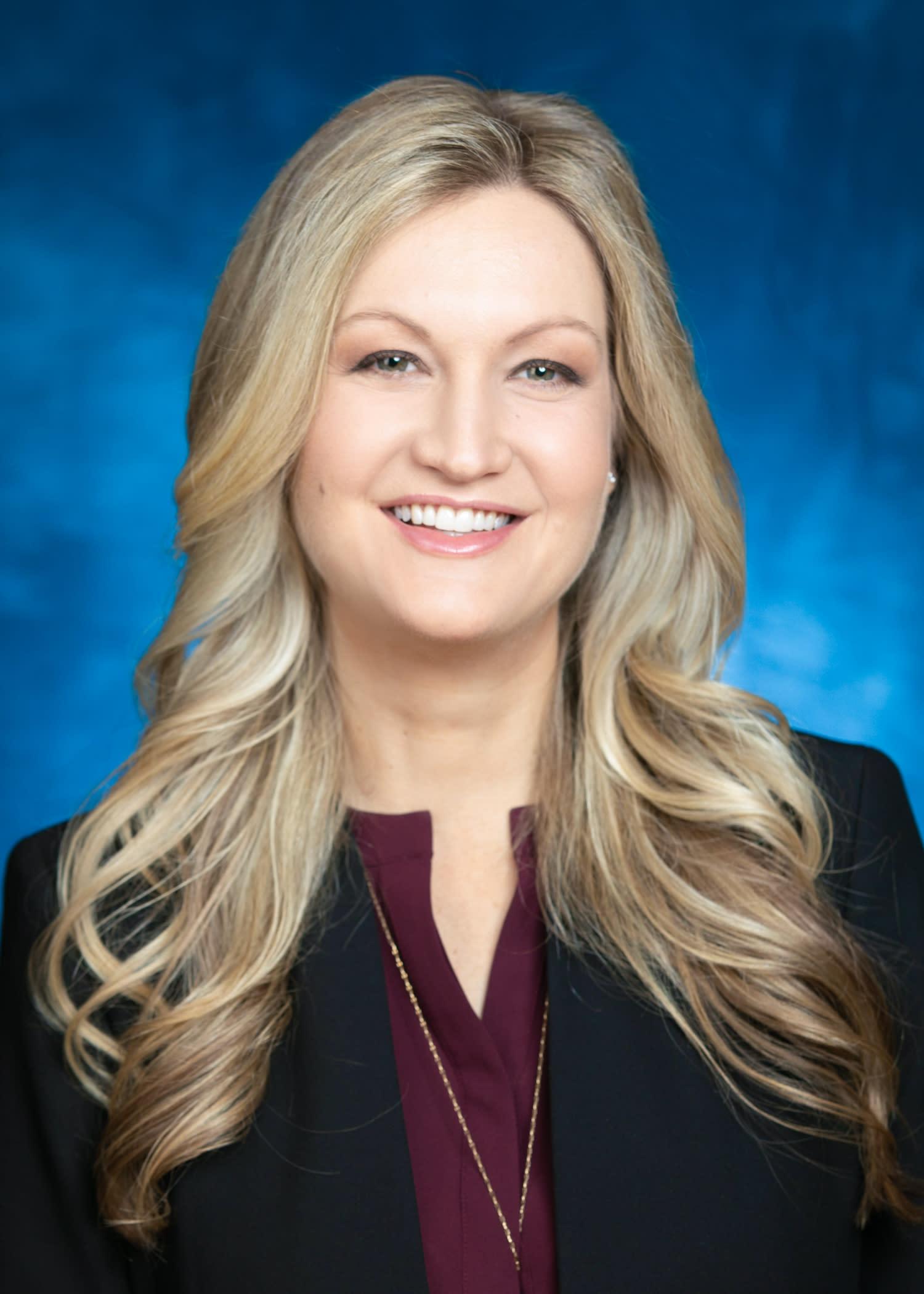 Dr. Lindsey Piegza
