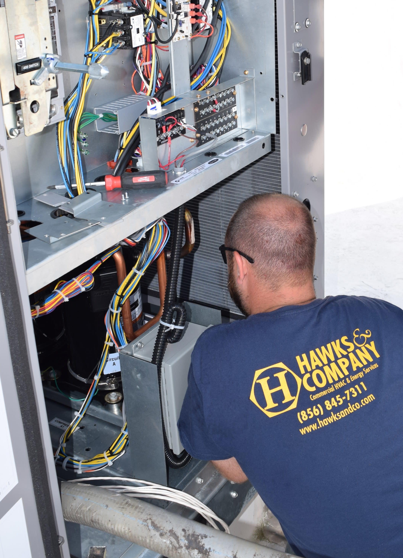 HVAC tech, roof top unit, hvac, hvac controls