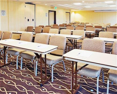 Meeting_Room_-_Class_room_style.jpg
