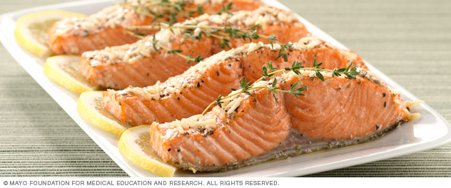 Salmon filets with lemon and herbs
