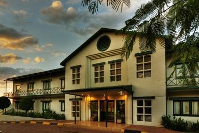 Maun Lodge Entrance