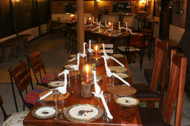 Ndhovu Safari Lodge - Dinner table