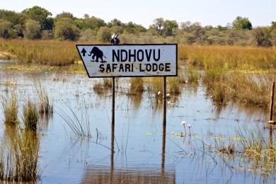 Ndhovu Safari Lodge - Sign Board