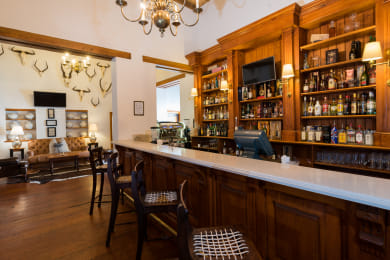 Drostdy Hotel   Bar