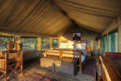 Classic Meru-style luxury safari tents.
