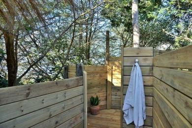 Honeymoon Suite - Outdoor Shower