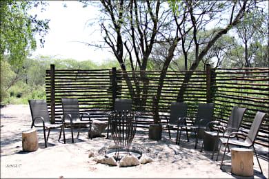 Fiume Bush Camp Boma