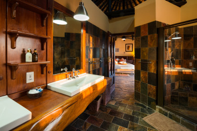 Etosha Mountain Lodge - Bathroom