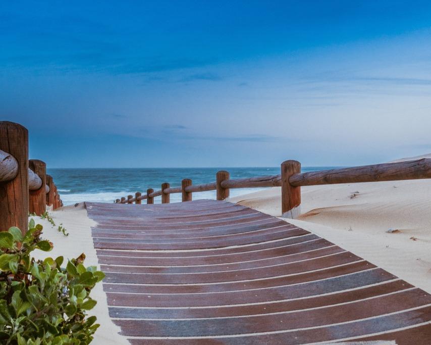 beach-1129086_1920.jpg