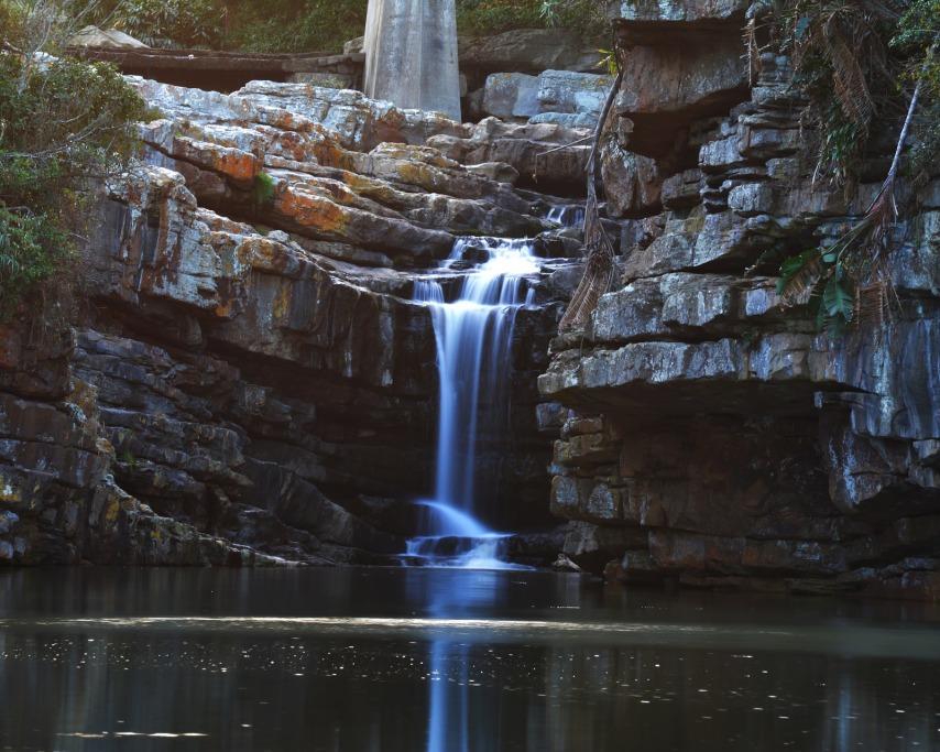 waterfall-922233_1920.jpg