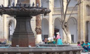 Arequipa-Brunnen-indigena.JPG