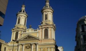 Kirche-Santiago-Chile.jpg