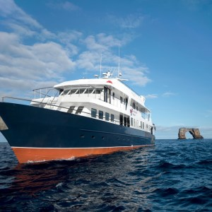 Reisecenter Federsee Galapagos Master Vollcharter 2023 & 2024