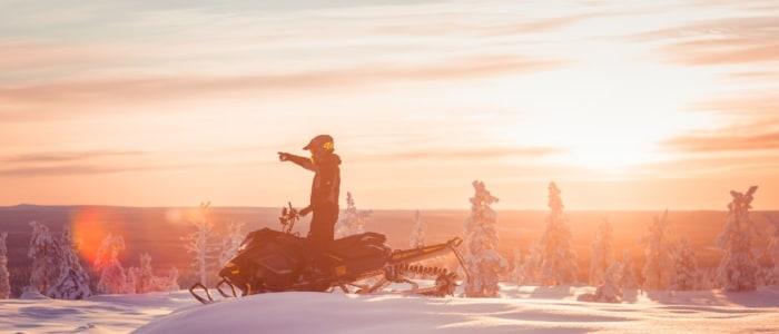 schneemobil-finnland-meineweltreisen.jfif
