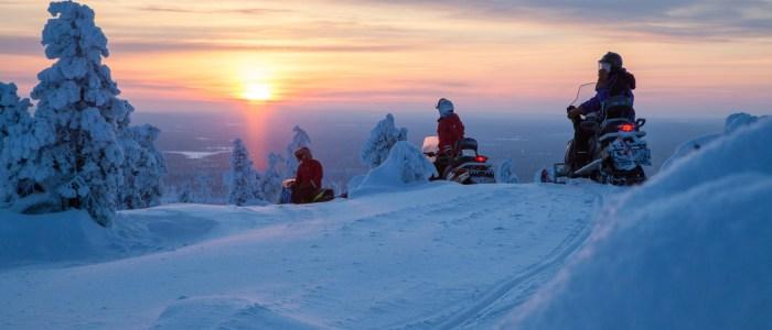 schneemobil-fahrt-finnland
