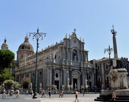 Sizilien_Catania_Dom Platz