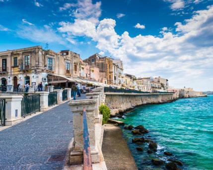 Sizilien_Syrakus_ Alfeo Promenade