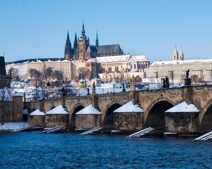 Prag Karlsbrücke .jpg