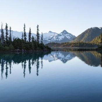 Hohe Berge und tiefe Seen