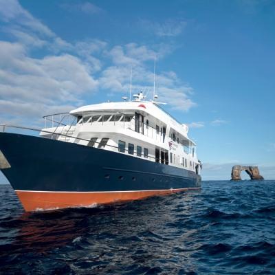 Reisecenter Federsee Galapagos Master Vollcharter 2023 & 2024