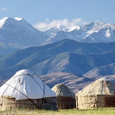 Auf den Spuren der Karawanen durch Kirgisistan. Individuell mit Offroader oder Enduro entdecken