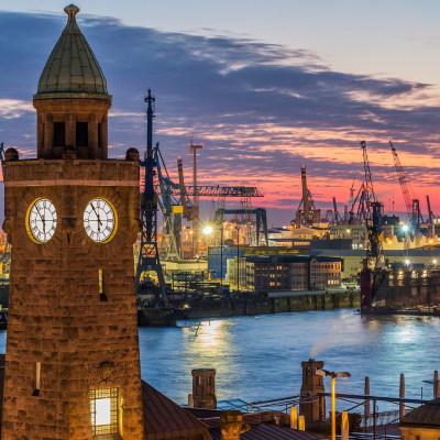 Hamburg - Fischbrötchen und Kaffeesäcke