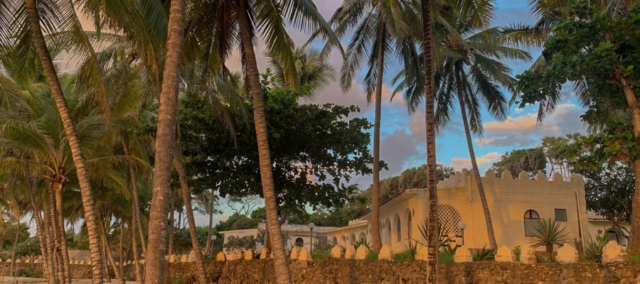 Coconut-Beach-Lodge_beach-coco