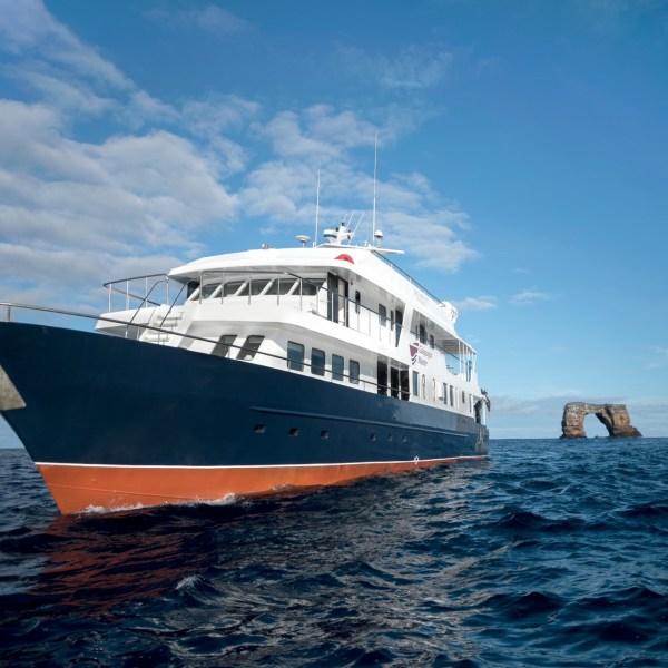 Tolle Rabatte auf Galapagos Master Tauchsafaris im August!