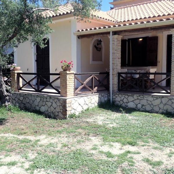 Yannis Villages