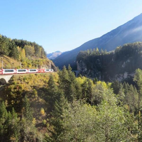 Glacier und Bernina – Bahnduett für Sparfüchse