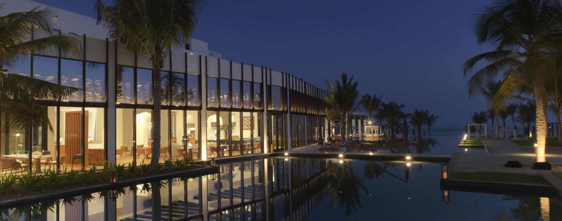 Al-Baleed-Resort-Salalah-By-Anantara-Exterior-Nacht-Pool-Oman.jpg