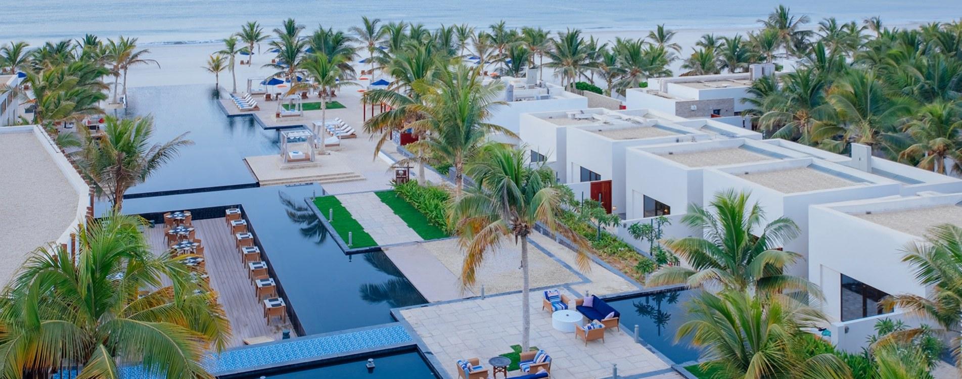 Al-Baleed-Resort-Salalah-By-Anantara-Pool-Luftbildaufnahme-Oman.jpg