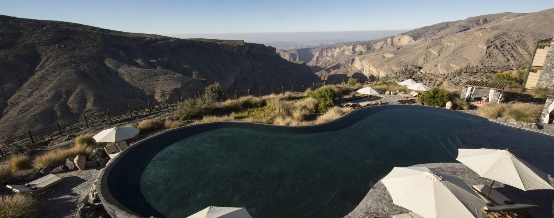 Alila-Jabal-Akhdar-Infinity-Pool-Luftbildaufnahme-Oman.JPG