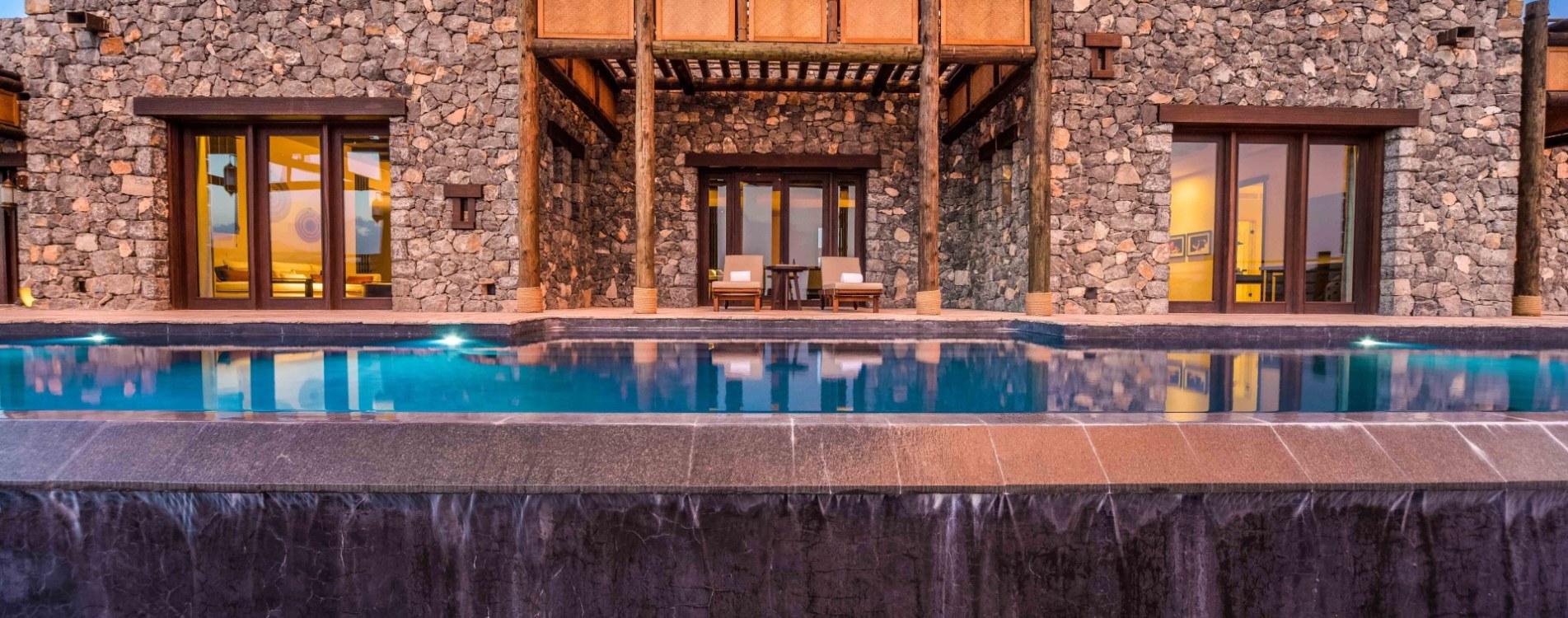 Alila-Jabal-Akhdar-Jabal-Villa-Exterior-Pool-Oman.jpg