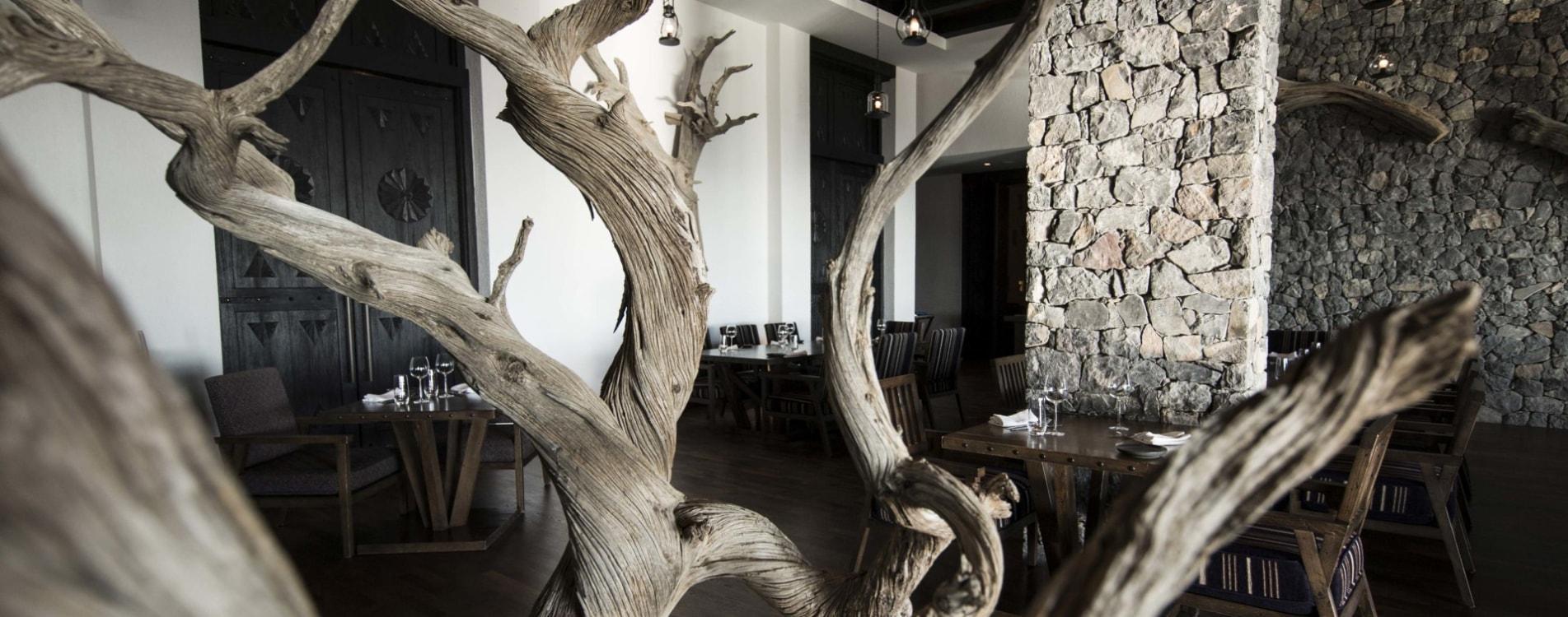 Alila-Jabal-Akhdar-Restaurant-Juniper-Interior-Details-Oman.jpg