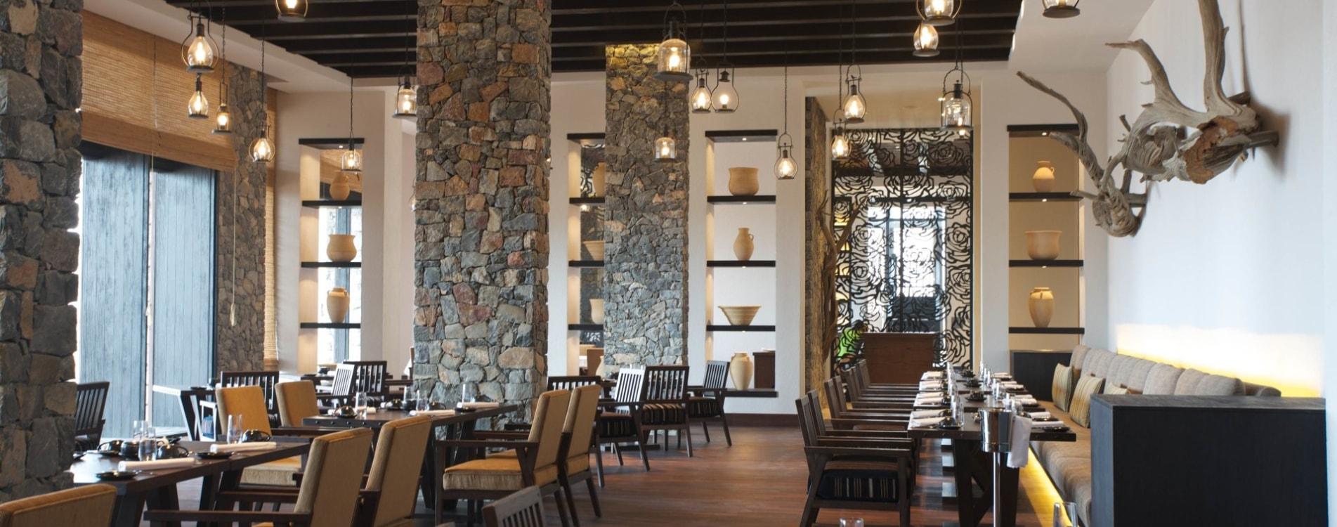 Alila-Jabal-Akhdar-Restaurant-Juniper-Interior-Oman.jpg