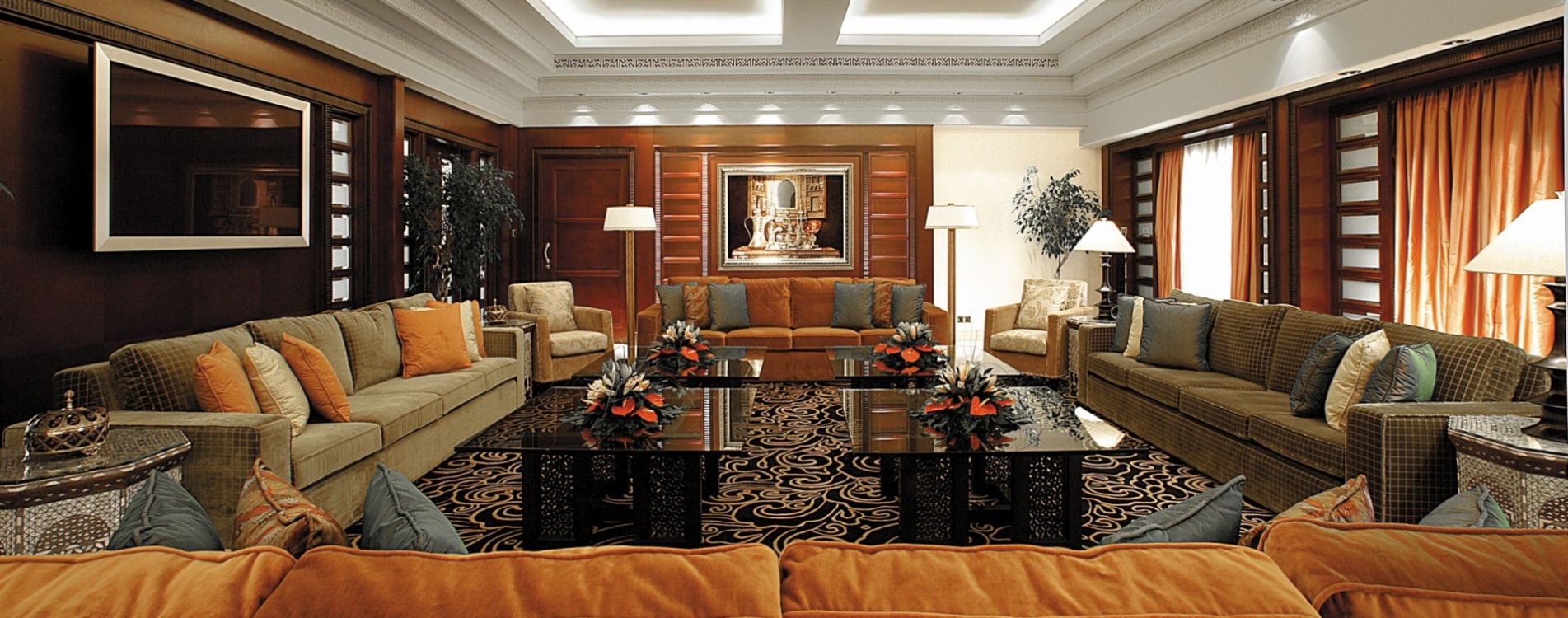 Shangri-La-Al-Husn-Resort-and-Spa-Al-Husn-Royal-Suite-Wohnzimmer-Oman.jpg