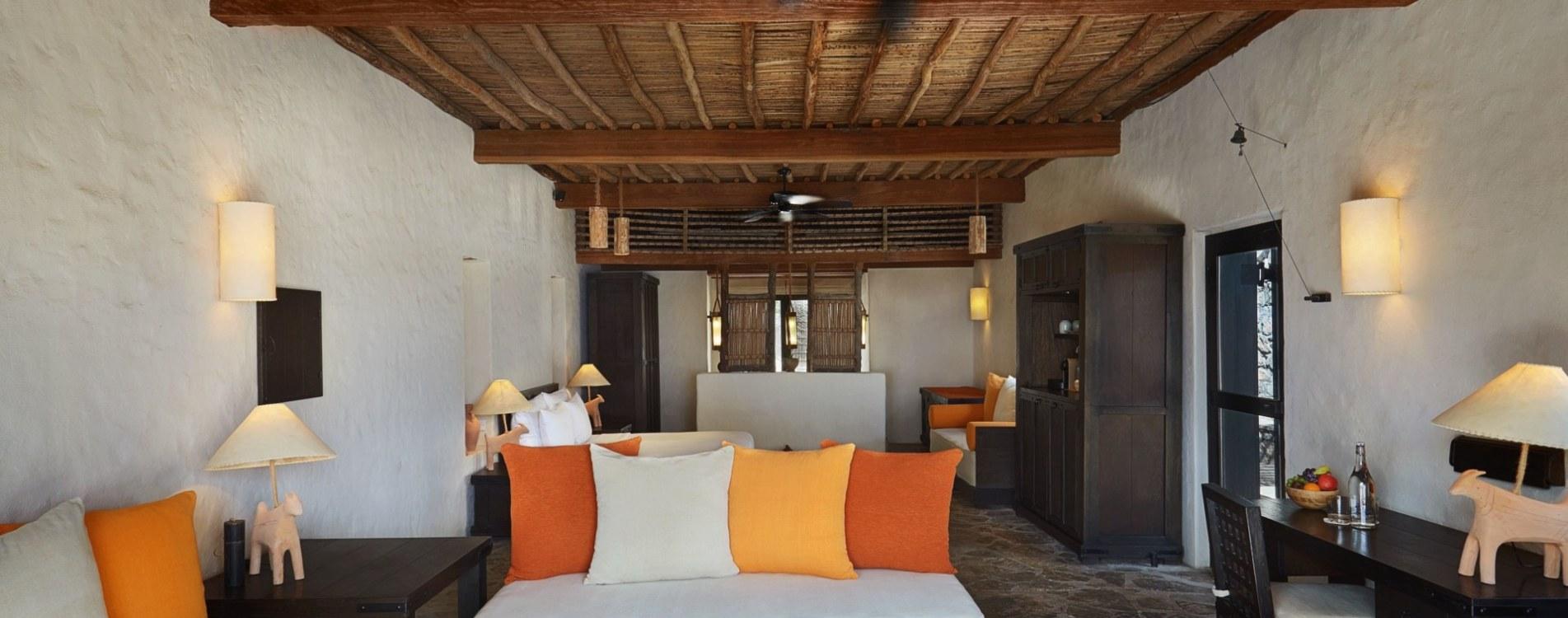 Six-Senses-Zighy-Bay-Pool-Villa-Beachfront-Wohnzimmer-Interior-Oman.jpg