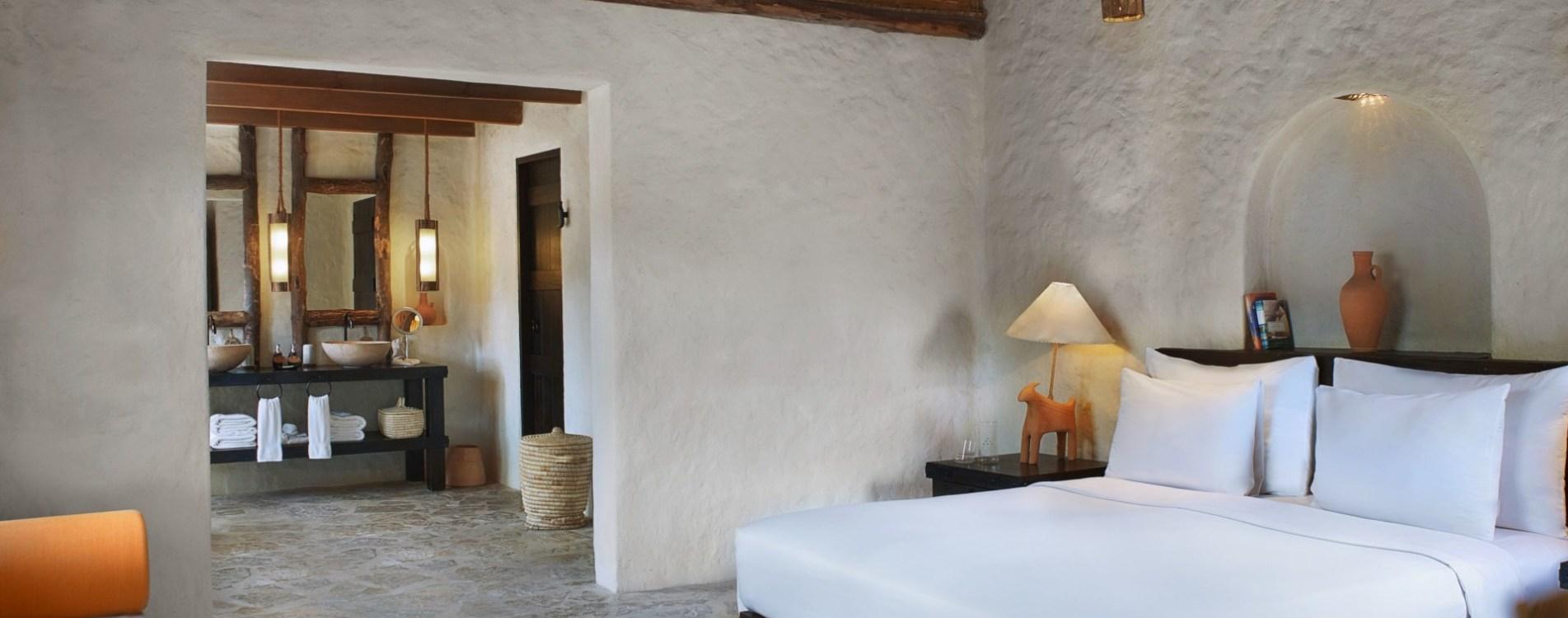 Six-Senses-Zighy-Bay-Pool-Villa-Interior-Schlafzimmer-Oman.jpg