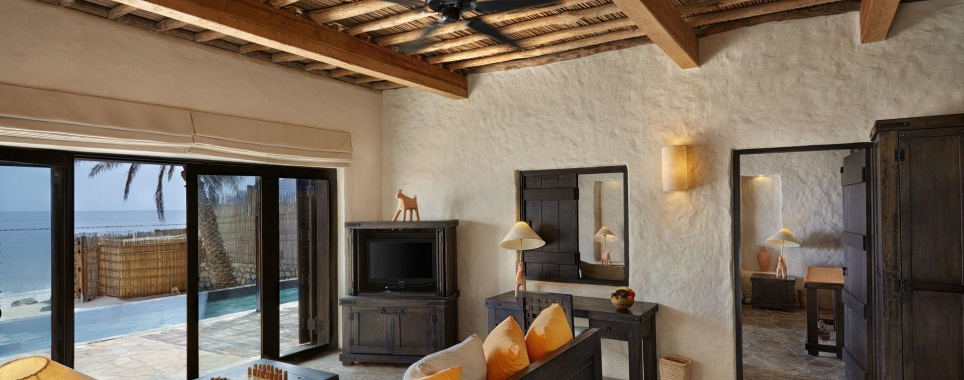 Six-Senses-Zighy-Bay-Pool-Villa-Suite-Beachfront-Wohnzimmer-Oman.jpg