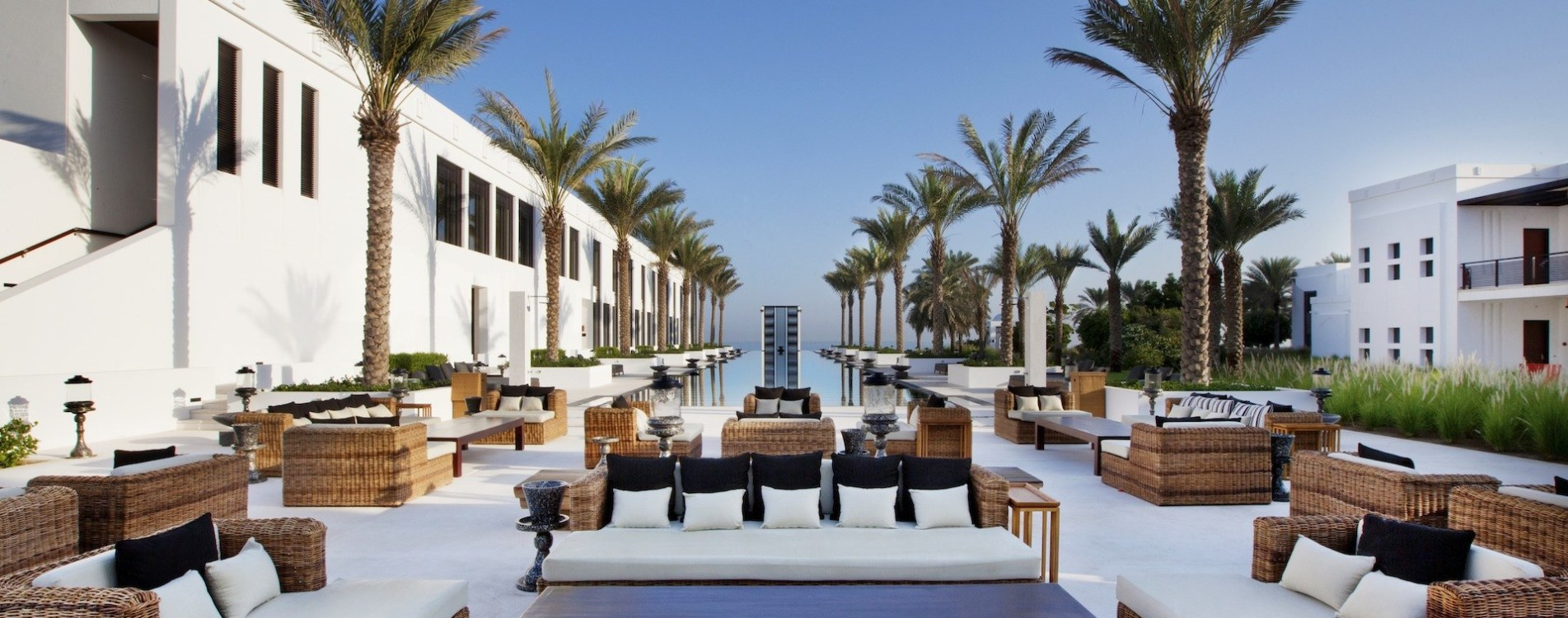 The-Chedi-Dining-The-Long-Pool-Cabana-Daytime01.jpg