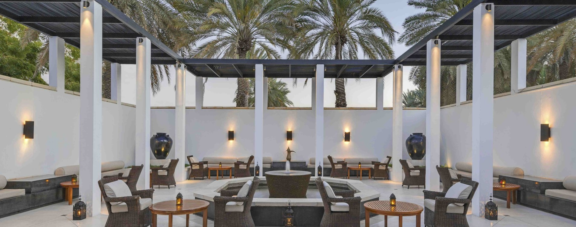The-Chedi-Muscat-Dining-The-Shisha-Courtyard-Oman.jpg