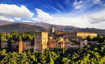 Alhambra Panorama_Fotolia_56097141_s.jpg