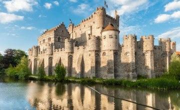 Burg_Gravensteen_Gent_Fotolia_97232920_XS.jpg