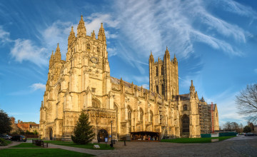 Canterbury Cathedral_Fotolia_98904374_S_2017_06_06.jpg