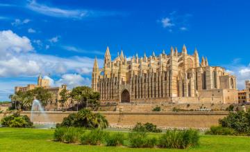 Palma de Mallorca Kathedrale_Fotolia_83611123_S.jpg