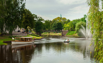 Riga_Stadtkanal_latvia.travel.jpg