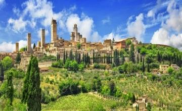 San Gimignano_Fotolia_73103151_XS.jpg